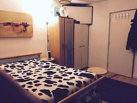 Large double room with your own fridge and Tv all bills included