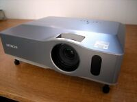 Hitachi ED-X33 video projector