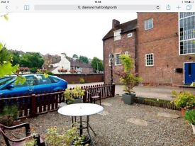 Bridgnorth centre 1 bed flat with allocated off road parking