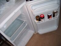 INDESIT UNDER COUNTER FRIDGE WITH TOP SHELF BOX FREEZER IN GOOD WORKING ORDER...