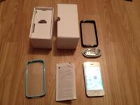 iphone 4s, 8GB, white, unlocked to all networks, fully working order, very good cosmetically,