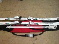 Dyna star 694 ladies ski set size 160 + poles 115/46 with bag