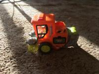 Trash Pack garbage lorry/sweeper and 15 trash pack figures