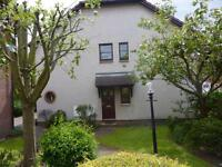Dalmeny Road - Lovely two bedroom flat in quiet well maintained residential estate.