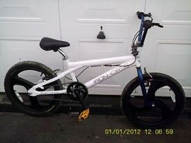 "ALUMINIUM BMX WHITE/BLUE BIKE WITH 20"" MAG WHEELS DOES 360"