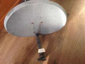 Satelite antena
