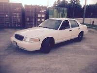 2005 Ford Crown Vic $2000 firm