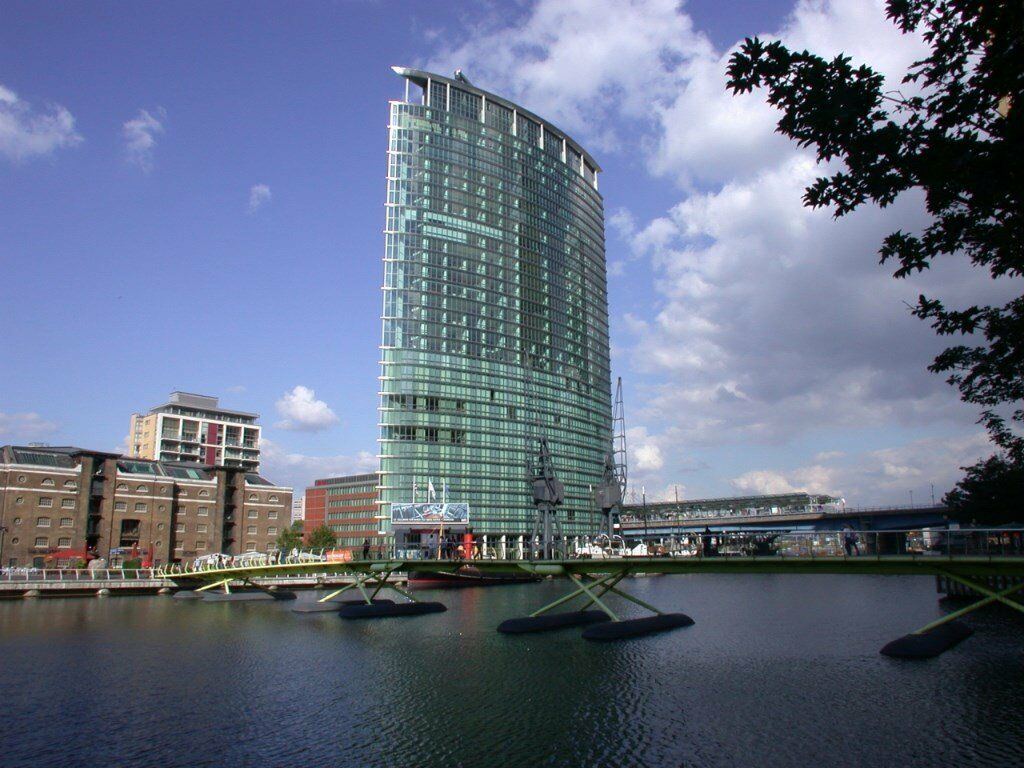 # Stunning 1 bed available now on the 15th floor in West India Quay - E14!!