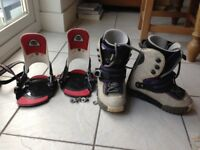 Womens Burton snowboard boots (UK size 5.5) and bindings. Step-in type.