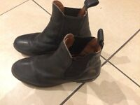 Kids riding boots size 4