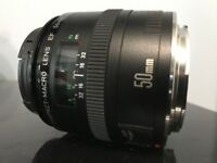 Canon EF 50mm f/2.5 Macro Lens (Mint condition)
