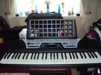 yamaha keyboard virtually brand new with stand