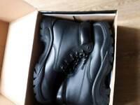 Veltuff safety work boots UK 11