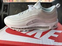 Nike air max's 97 never worn size 7.