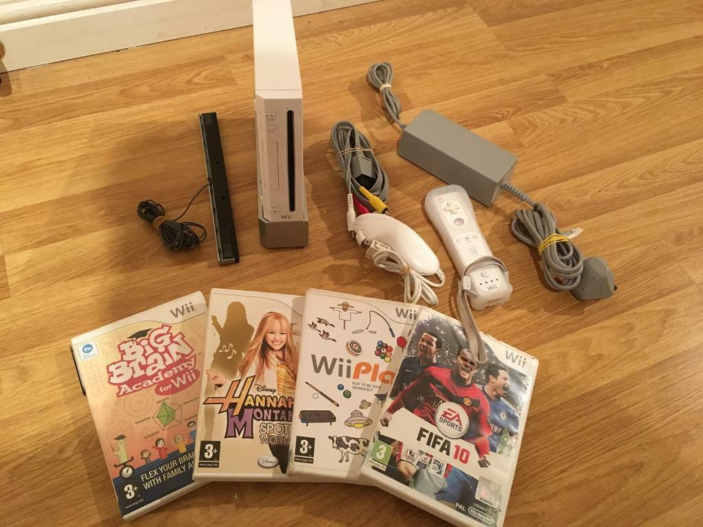 Wii Console Complete With 4 Games (in full working order) £20 no offers