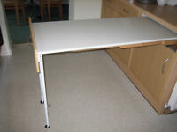 Kitchen worktop extension (pull out)