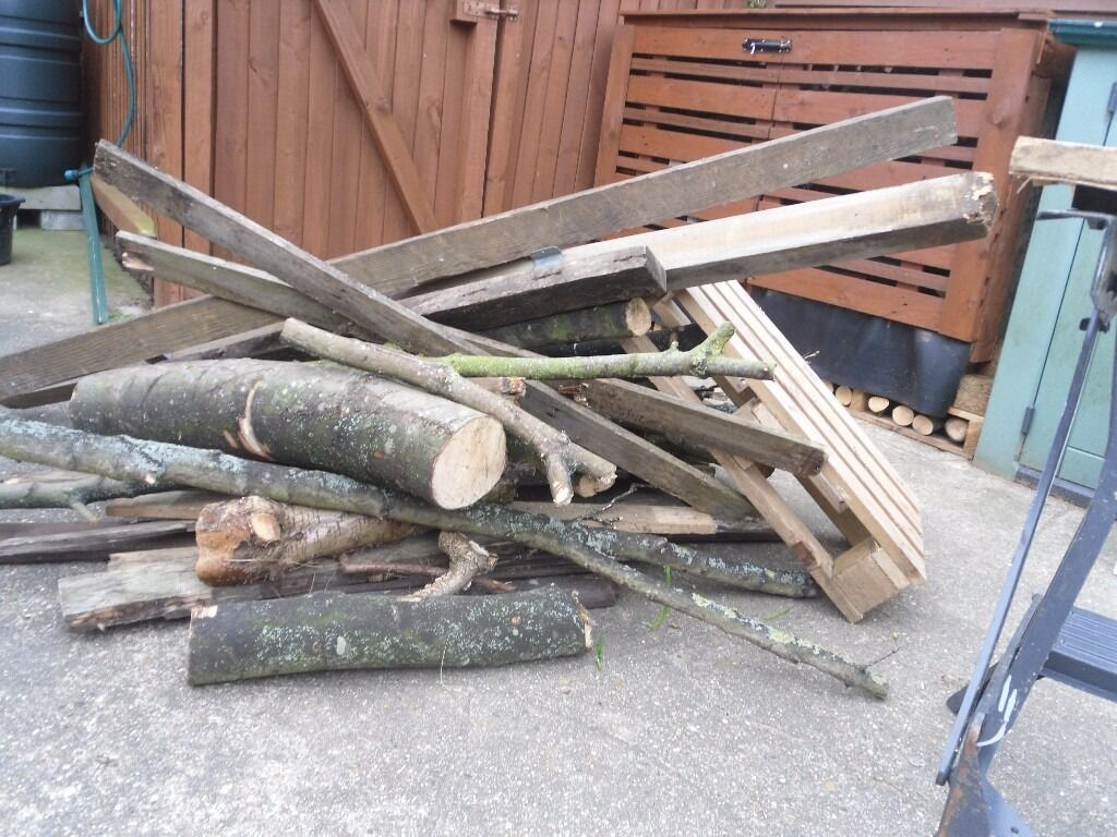 Firewood. great for logs and kindling for wood burner bbq fire chimnea fire pit etcin Ipswich, SuffolkGumtree - Firewood. Great mixture ideal for cutting up for logs and kindling for open fire or wood burner or to throw in the chimnea or fire pit this summer. Collection from Ip3 approx a car or small trailer load