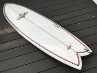 Bilbo Flying Fish, 6ft Epoxy Retro Twin Keel Fin Surfboard