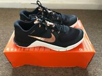Nike Metcon 2.0 ladies rose gold Crossfit shoes (size 7) - like new