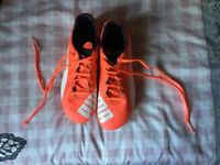 Puma Orange football boots Size 6 (39)