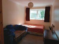Double room in Croydon city centre