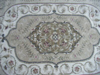 High quality geometric floral design rug in first class condition. little used.