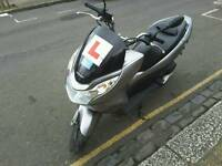 Hond PCX 125 auto drive moped only 1299 , no offers