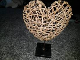 Small wicker heart