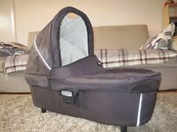 Britain Vigour 3+ travel system inc. car seat & carry cot