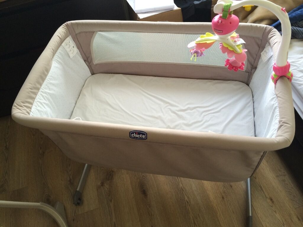 chicco next to me baby crib in harlow essex gumtree. Black Bedroom Furniture Sets. Home Design Ideas