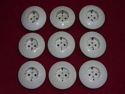 Dachbodenfund,1 von 9 weißen Steckdosen UP Bakelit/Porzellan