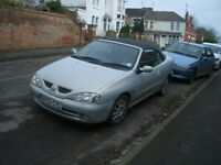 Renault Megane cabriolet '03. Used Daily, all works, mot 25/4/17