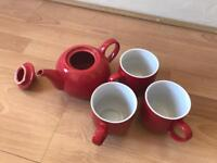 LaCaFetiere tea pot + 3 Waitrose cups in Red