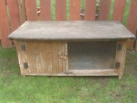 RABBIT HUTCH LARGE WEATHER PROOF £25