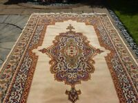 Exquisite large Indian Rug made from wool in a traditional design with a fringe