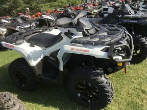 2017 Can-Am Outlander™ XT™ 1000R London Ontario image 1