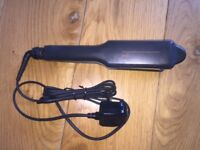 GHD SS WIDE PLATE HAIR STRAIGHTENERS.