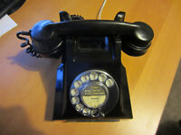 British Bakelite 312 series 1940s Vintage Telephone