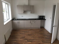 Eye-Catching large studio flat in South Bermondsey 8 min from the station ideal for couples/students