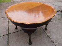 Small CIRCULAR Coffee Table. With light oak Veneered - quartered top