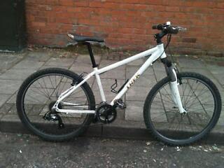 Trek front suspension aluminium mountain bike save 50% off RRP!