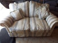3 PIECE SUITE 2SETTER SETTEE AND 2 CHAIRS
