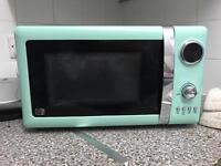 Vintage style microwave 700w