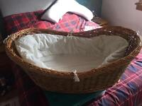 Moses basket and liner