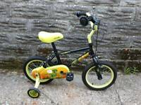"BOYS APOLLO CLAWS BIKE WITH STABILIZERS 14"" WHEELS IMMACULATE"