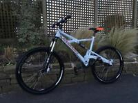 Cannondale prophet Downhill Bike, LIKE NEW, HIGH SPEC, DEORE