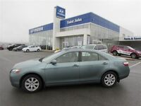 2010 Toyota CAMRY HYBRID! REDUCED!
