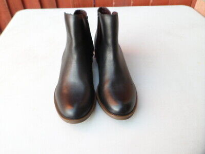 Kensie Women's Black Leather boots size 5.5UK