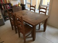Pine dining table and four chairs - Mercer Corona style