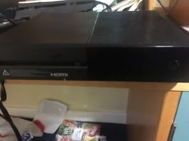 Xbox one 500gb with NBA 2K18,UFC2 and others plus a controller